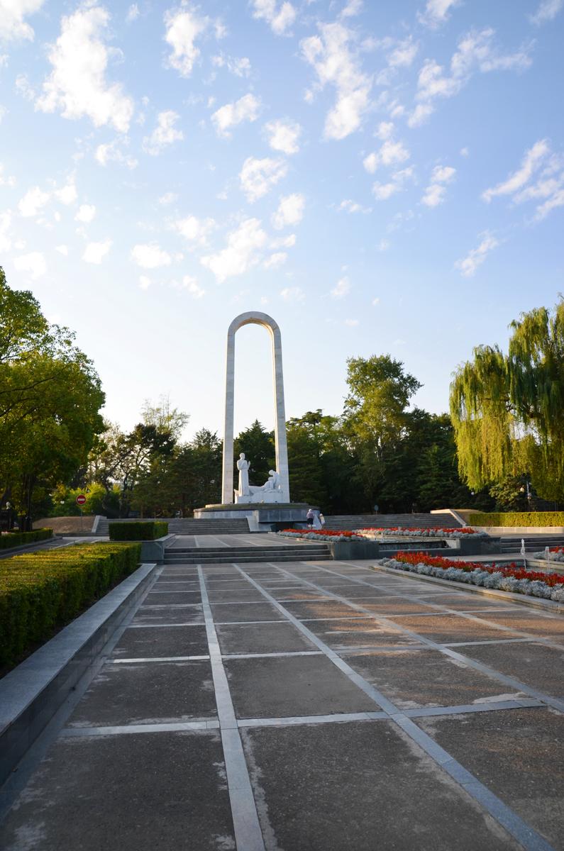 18. Памятник военным врачам.