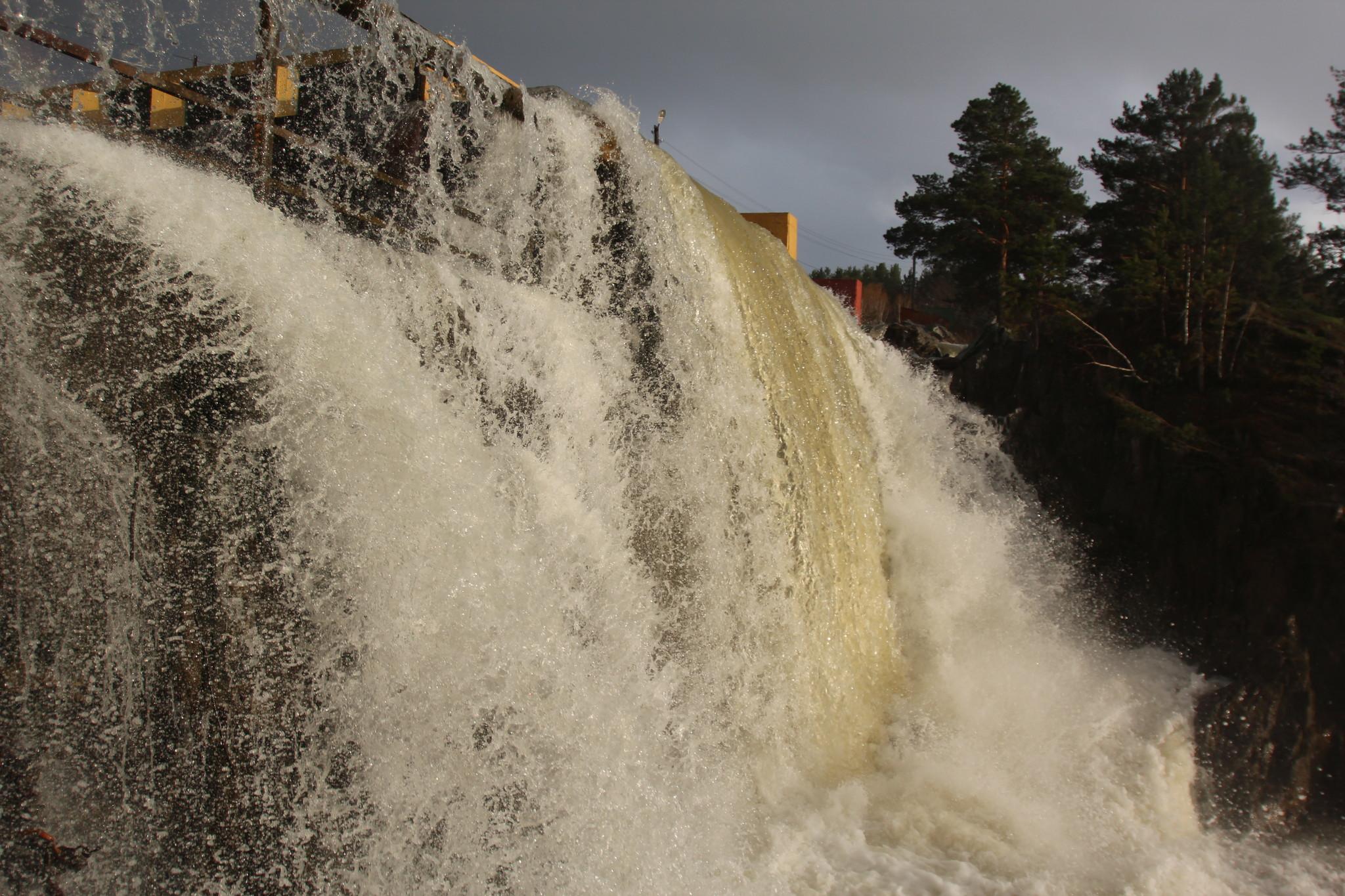 карпысак водопад фото зимой семейное видео