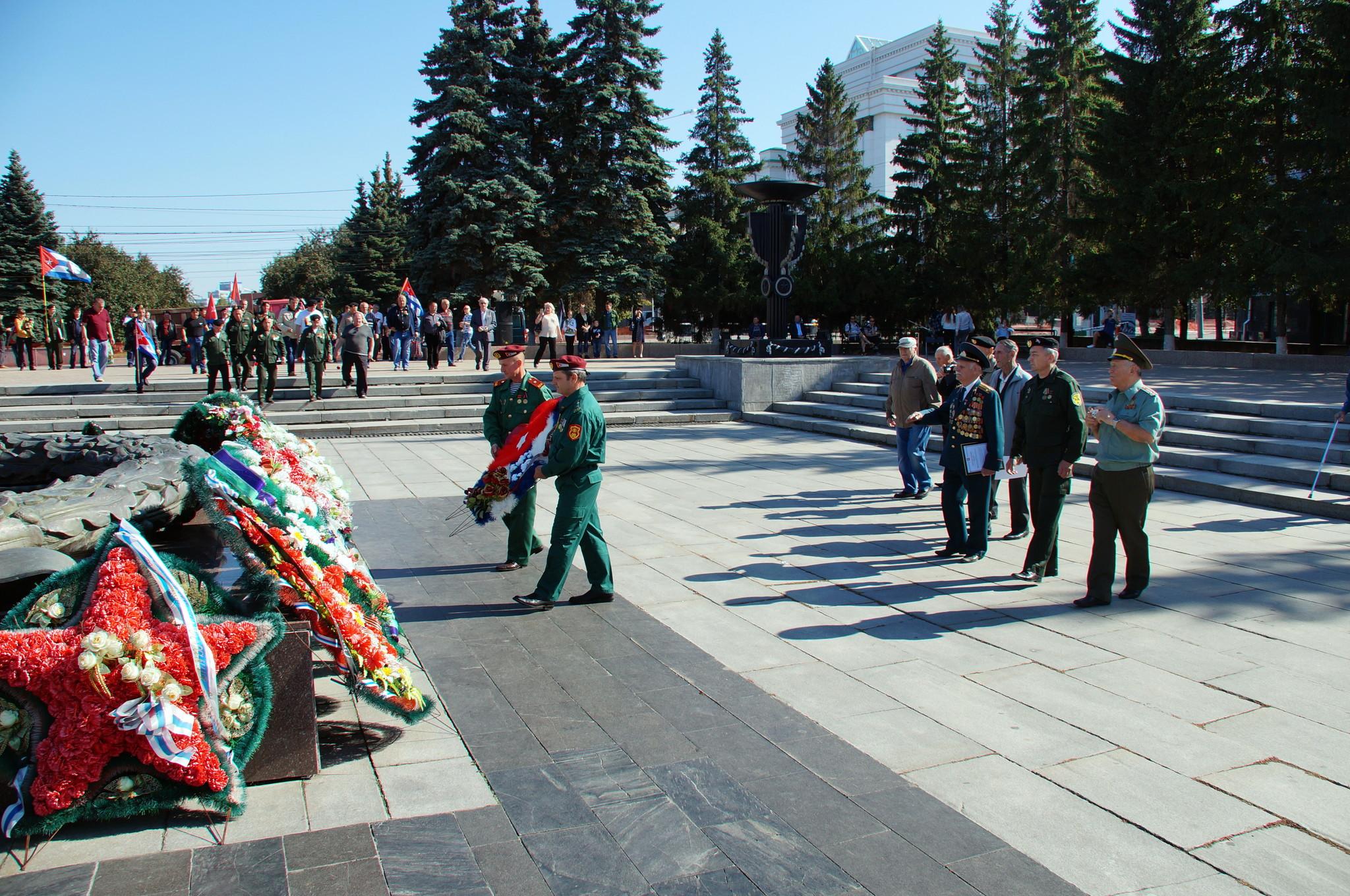 Торжественный митинг на «Аллее славы»
